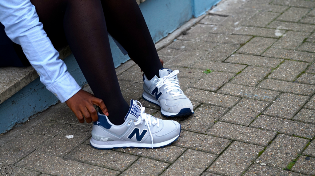 wearing grey new balance sneakers outfit post by it's true blog
