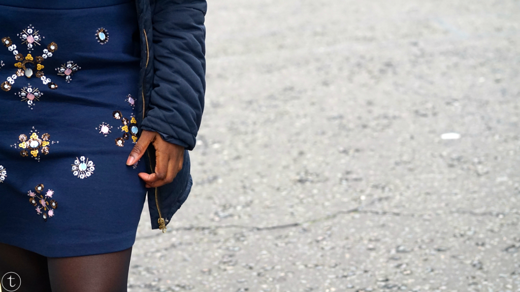 wearing navy blue pencil skirt from h&m outfit post by it's true blog