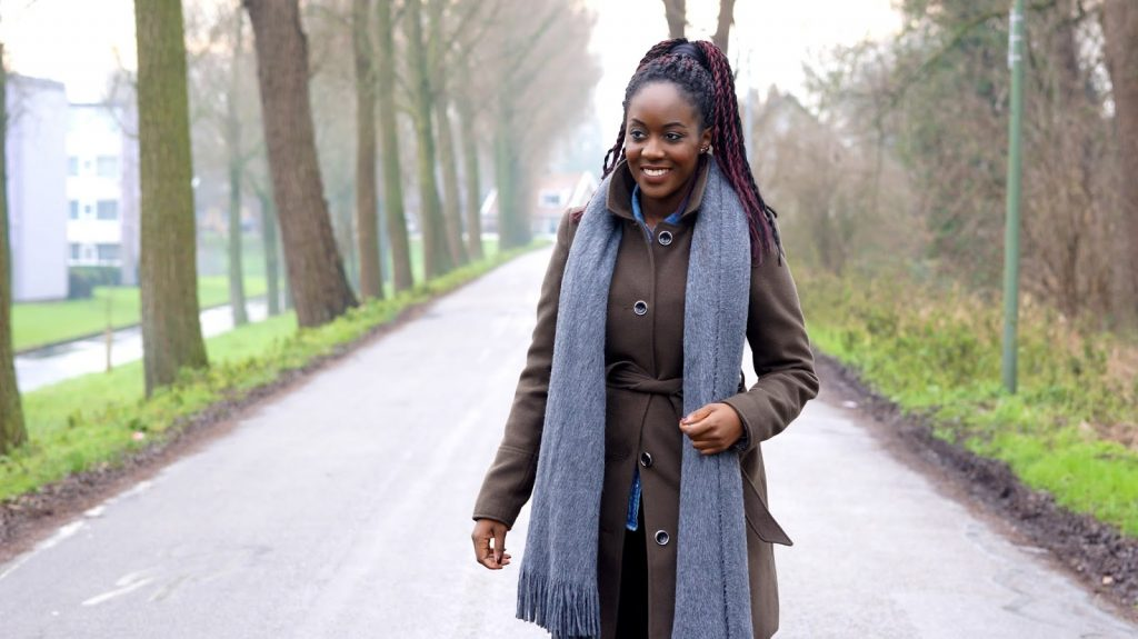 wearing dark green coat from miss selfridge and grey scarf from h&m