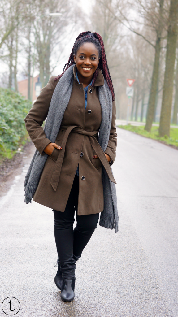 outfit post wearing dark green coat from miss selfridge