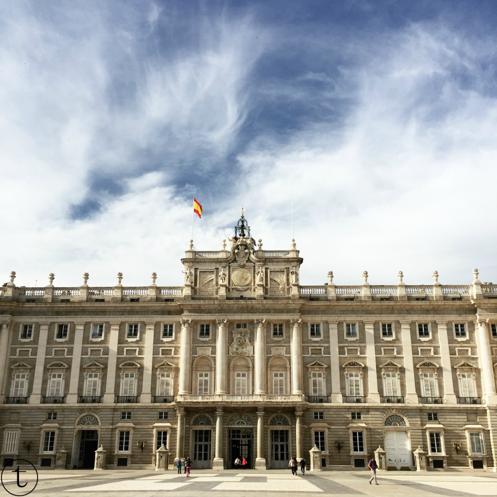 building of the royal palace of madrid palacio de real madrid